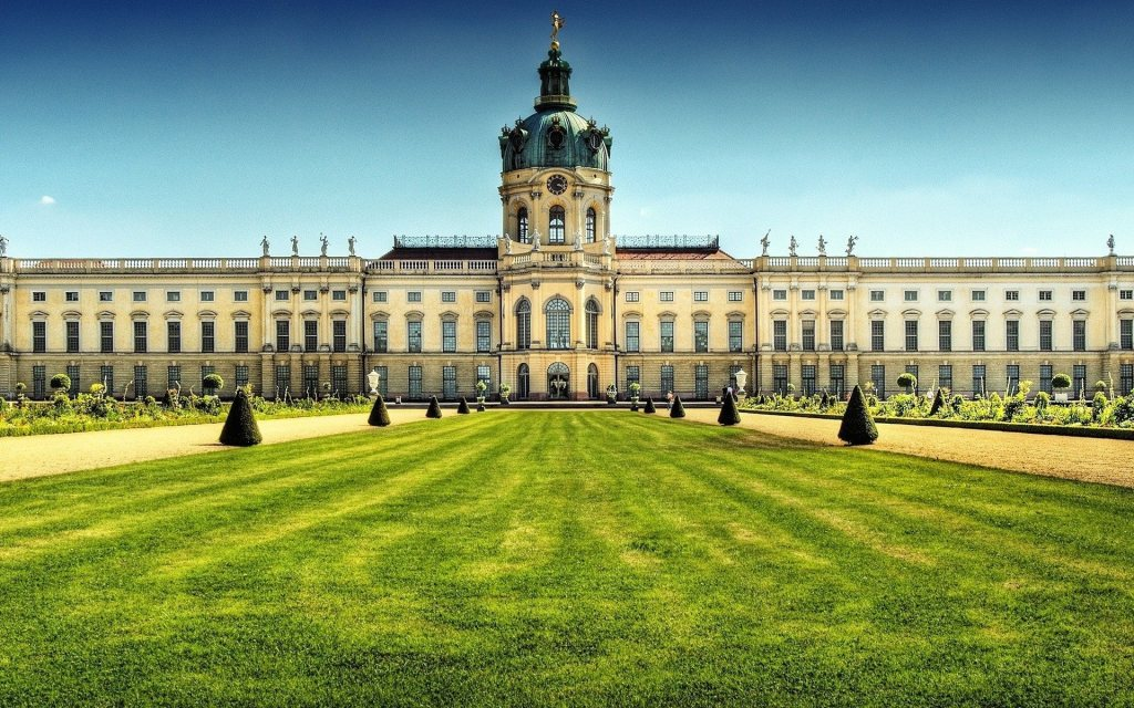 Charlottenburg-Palace-Pictures-1-3