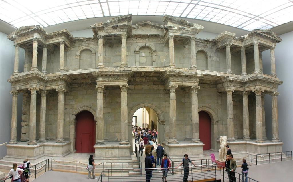 pergamon-museum-berlin-germany-market-gate-of-miletus-kdxw2gct