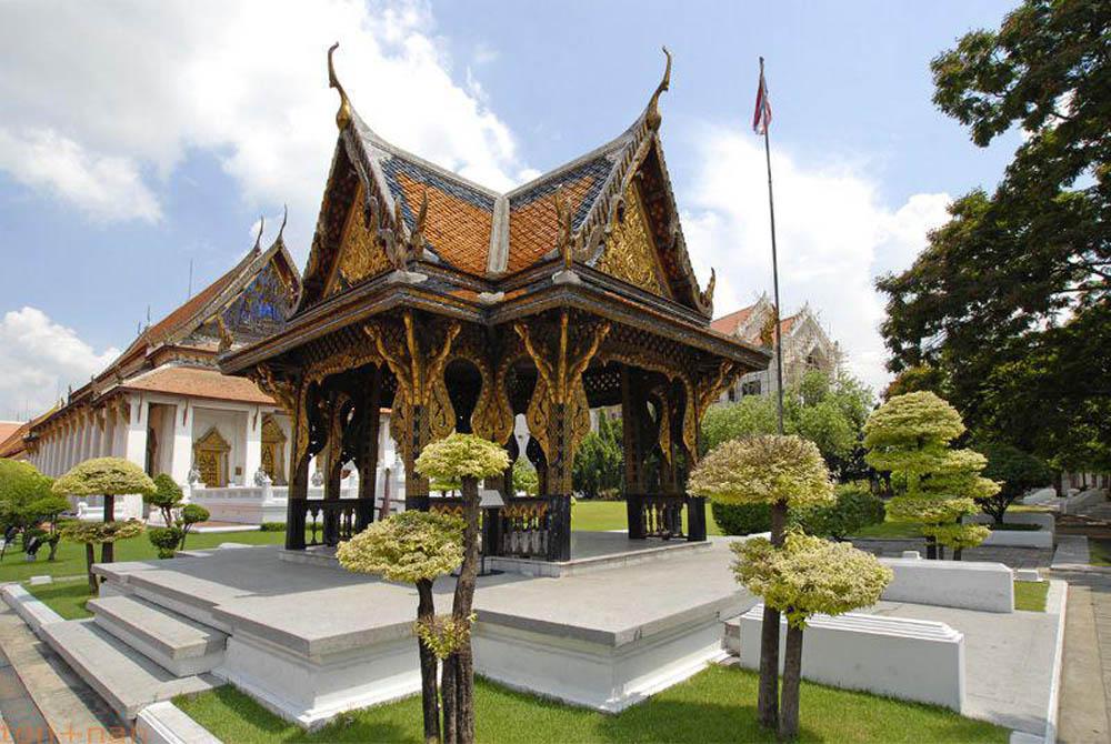 Visit the Bangkok National Museum