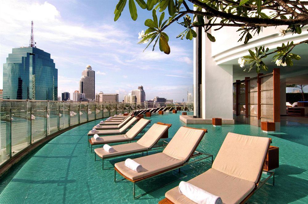 Millennium Hilton Swimming Pool Bangkok, Thailand