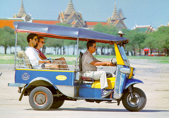 http://frangipani.com/wordpress/wp-content/uploads/2013/05/tuktuk-at-sanam-luang.jpg